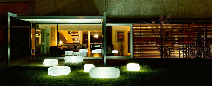 El Reino Plantae: Los complementos y muebles iluminados para el jardín